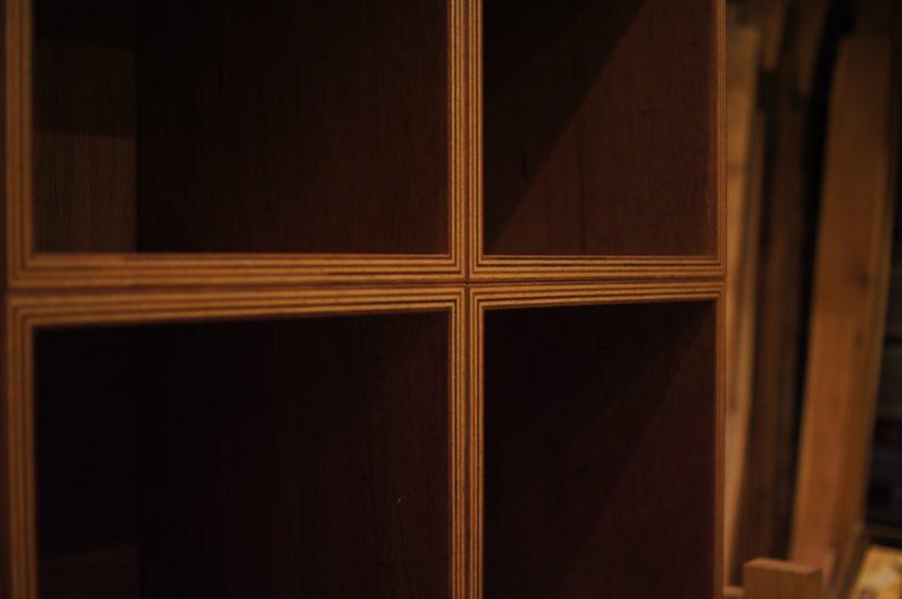 ラワン合板の家具