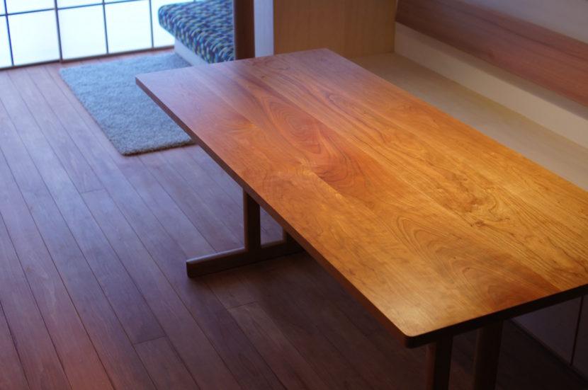 チェリーダイニングテーブル