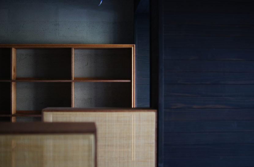 ブックカフェ 本棚