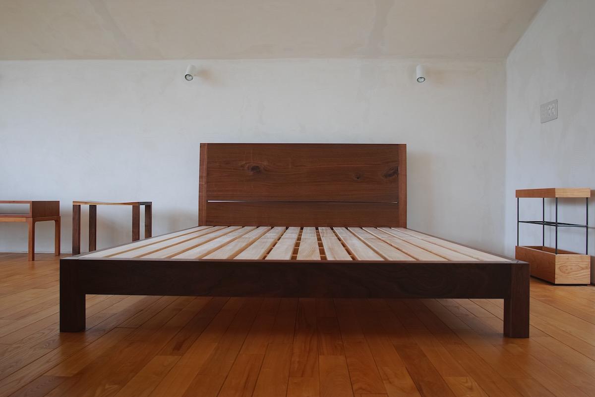 ウォールナットベッド